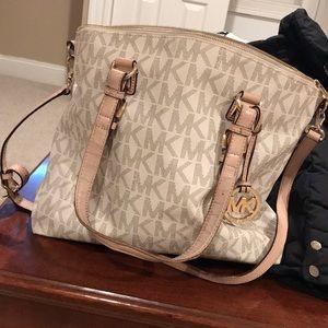 Micheal Kors bag & wallet